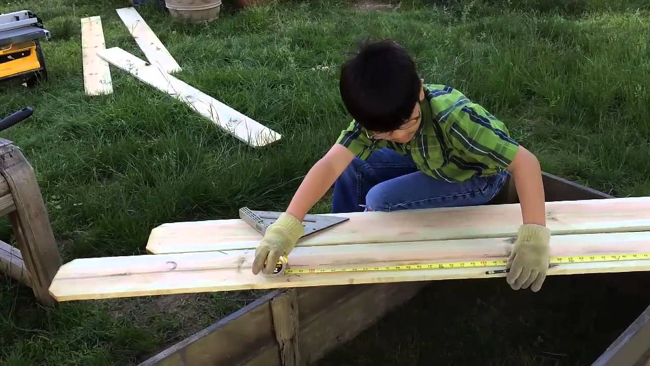 Diy Backyard garden Box For Under $ten (Section 2) – Measuring and Reducing Wooden: Gardening Tips & How To Establish