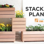 A Vertical Backyard Manufactured from Do-it-yourself Stackable Planters