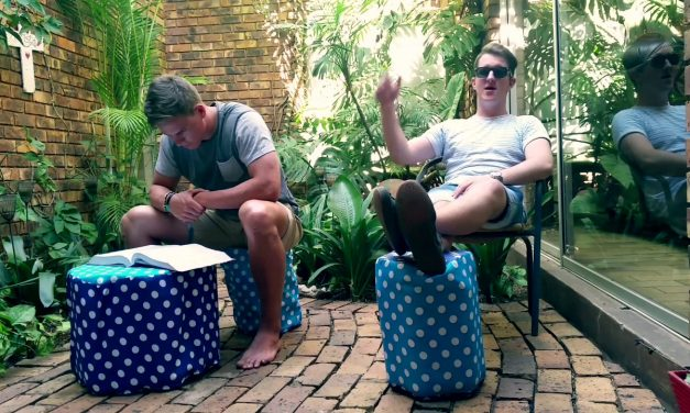 Project Plastic: DIY Plastic Bottle Chair